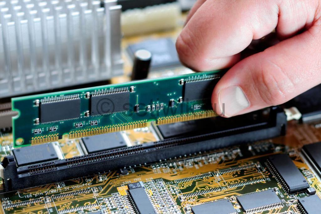 Как установить память в компьютер