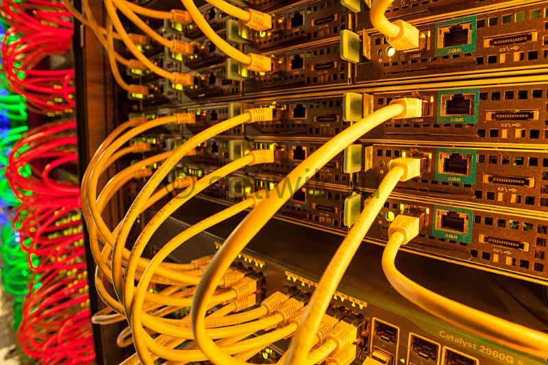 Виртуальный хостинг и Выделенный сервер